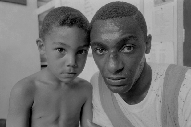Herol 'Bomber' Graham and his son Oliver. 08/1995. Portrait for On the Ropes: Boxing as a Way of Life (1996)