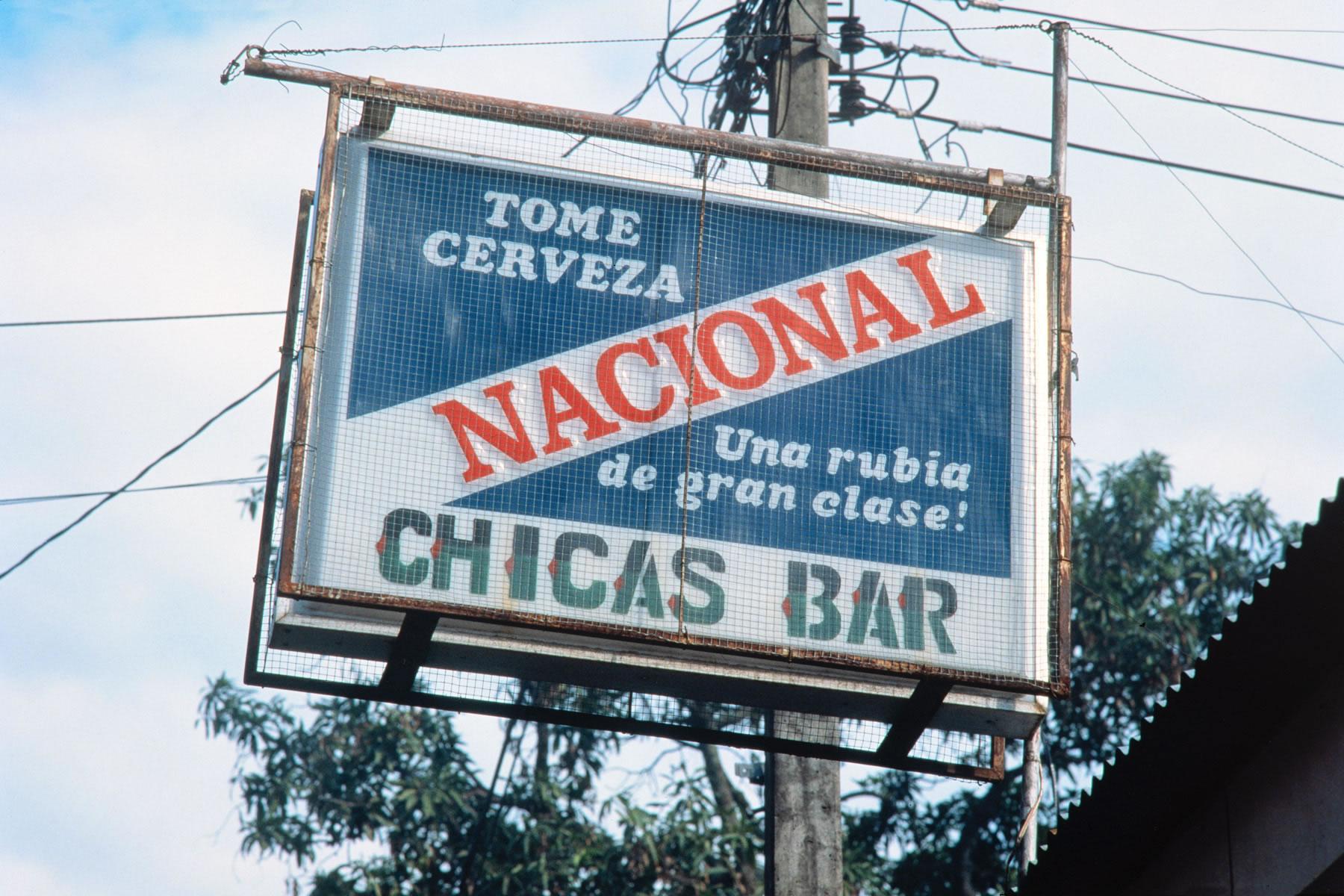 Chicas Bar Honduras CB 02